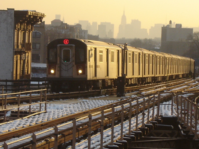 (151k, 640x480)<br><b>Country:</b> United States<br><b>City:</b> New York<br><b>System:</b> New York City Transit<br><b>Line:</b> IRT Woodlawn Line<br><b>Location:</b> Burnside Avenue <br><b>Route:</b> 4<br><b>Car:</b> R-142 (Option Order, Bombardier, 2002-2003)  1220 <br><b>Photo by:</b> DeAndre Burrell<br><b>Date:</b> 12/11/2005<br><b>Viewed (this week/total):</b> 1 / 5519