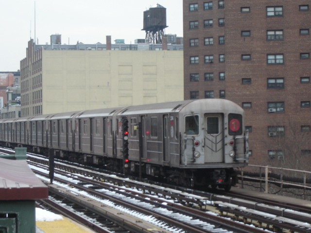 (135k, 640x480)<br><b>Country:</b> United States<br><b>City:</b> New York<br><b>System:</b> New York City Transit<br><b>Line:</b> IRT West Side Line<br><b>Location:</b> 125th Street <br><b>Route:</b> 1<br><b>Car:</b> R-62A (Bombardier, 1984-1987)   <br><b>Photo by:</b> DeAndre Burrell<br><b>Date:</b> 12/11/2005<br><b>Viewed (this week/total):</b> 2 / 2252