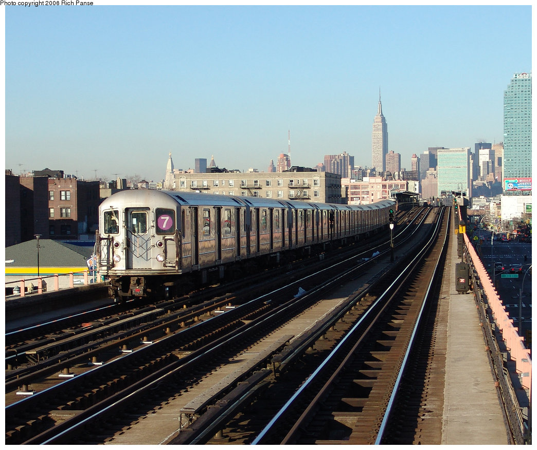 (261k, 1044x876)<br><b>Country:</b> United States<br><b>City:</b> New York<br><b>System:</b> New York City Transit<br><b>Line:</b> IRT Flushing Line<br><b>Location:</b> 46th Street/Bliss Street <br><b>Route:</b> 7<br><b>Car:</b> R-62A (Bombardier, 1984-1987)   <br><b>Photo by:</b> Richard Panse<br><b>Date:</b> 1/27/2006<br><b>Viewed (this week/total):</b> 0 / 1689