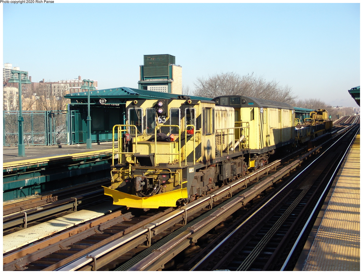 (296k, 1044x788)<br><b>Country:</b> United States<br><b>City:</b> New York<br><b>System:</b> New York City Transit<br><b>Line:</b> IRT Woodlawn Line<br><b>Location:</b> 161st Street/River Avenue (Yankee Stadium) <br><b>Route:</b> Work Service<br><b>Car:</b> R-47 Locomotive  63 <br><b>Photo by:</b> Richard Panse<br><b>Date:</b> 1/24/2006<br><b>Viewed (this week/total):</b> 1 / 2639