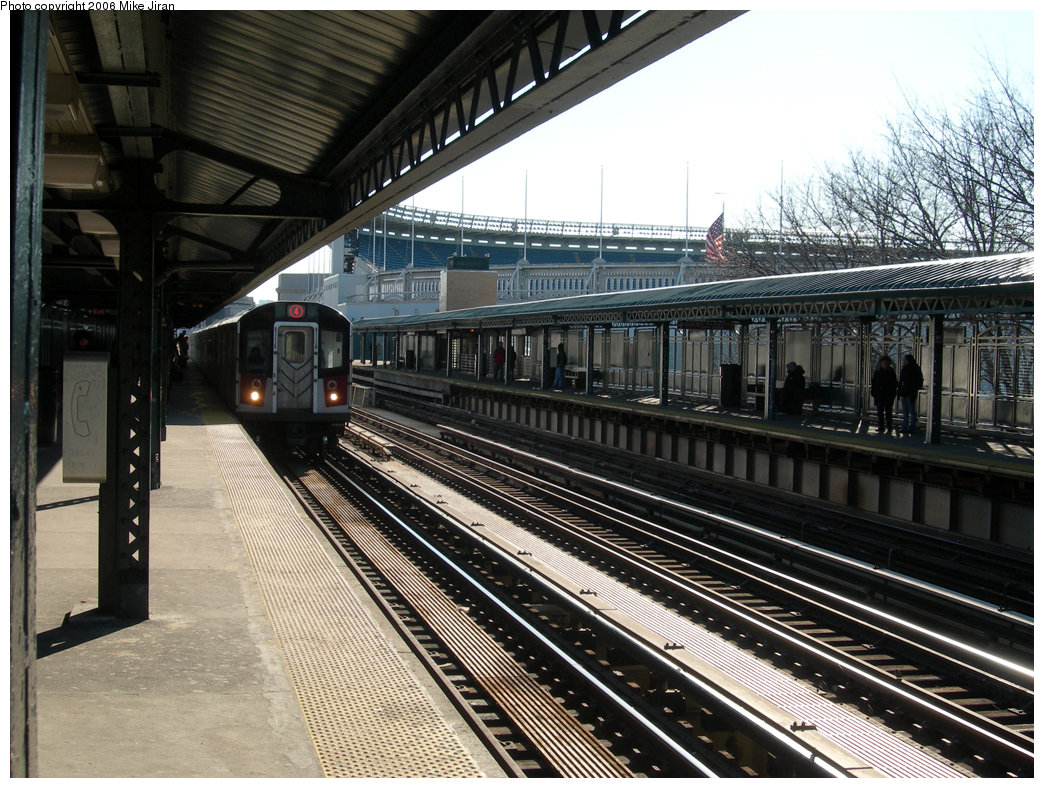 (283k, 1044x788)<br><b>Country:</b> United States<br><b>City:</b> New York<br><b>System:</b> New York City Transit<br><b>Line:</b> IRT Woodlawn Line<br><b>Location:</b> 161st Street/River Avenue (Yankee Stadium) <br><b>Route:</b> 4<br><b>Car:</b> R-142A (Option Order, Kawasaki, 2002-2003)  7725 <br><b>Photo by:</b> Mike Jiran<br><b>Date:</b> 2/19/2006<br><b>Viewed (this week/total):</b> 3 / 3079