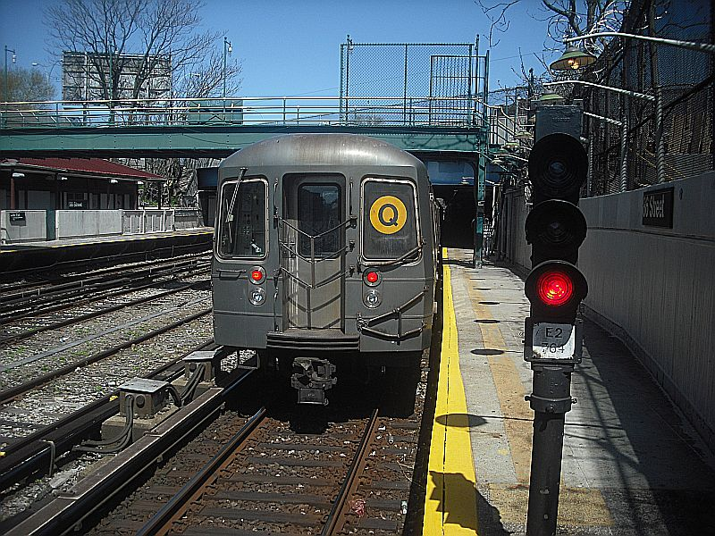 (172k, 800x600)<br><b>Country:</b> United States<br><b>City:</b> New York<br><b>System:</b> New York City Transit<br><b>Line:</b> BMT Sea Beach Line<br><b>Location:</b> 86th Street <br><b>Route:</b> Q reroute,<br><b>Car:</b> R-68/R-68A Series (Number Unknown)  <br><b>Photo by:</b> Alize Jarrett<br><b>Date:</b> 4/10/2010<br><b>Viewed (this week/total):</b> 3 / 706