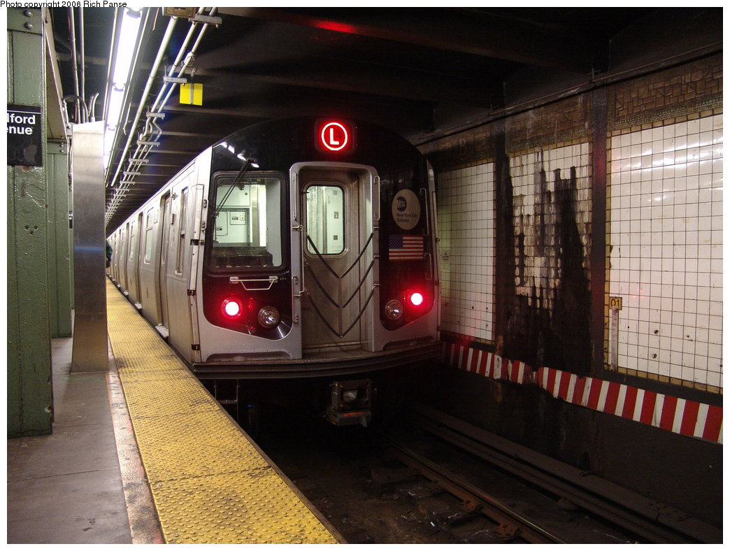 (203k, 1044x788)<br><b>Country:</b> United States<br><b>City:</b> New York<br><b>System:</b> New York City Transit<br><b>Line:</b> BMT Canarsie Line<br><b>Location:</b> Bedford Avenue <br><b>Route:</b> L<br><b>Car:</b> R-143 (Kawasaki, 2001-2002)  <br><b>Photo by:</b> Richard Panse<br><b>Date:</b> 11/18/2005<br><b>Viewed (this week/total):</b> 2 / 3509