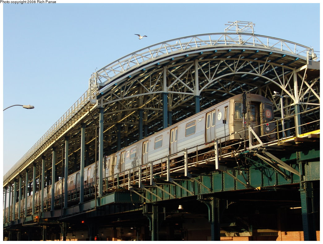 (233k, 1044x788)<br><b>Country:</b> United States<br><b>City:</b> New York<br><b>System:</b> New York City Transit<br><b>Location:</b> Coney Island/Stillwell Avenue<br><b>Route:</b> D<br><b>Car:</b> R-68 (Westinghouse-Amrail, 1986-1988)  2540 <br><b>Photo by:</b> Richard Panse<br><b>Date:</b> 2/25/2006<br><b>Viewed (this week/total):</b> 4 / 3353