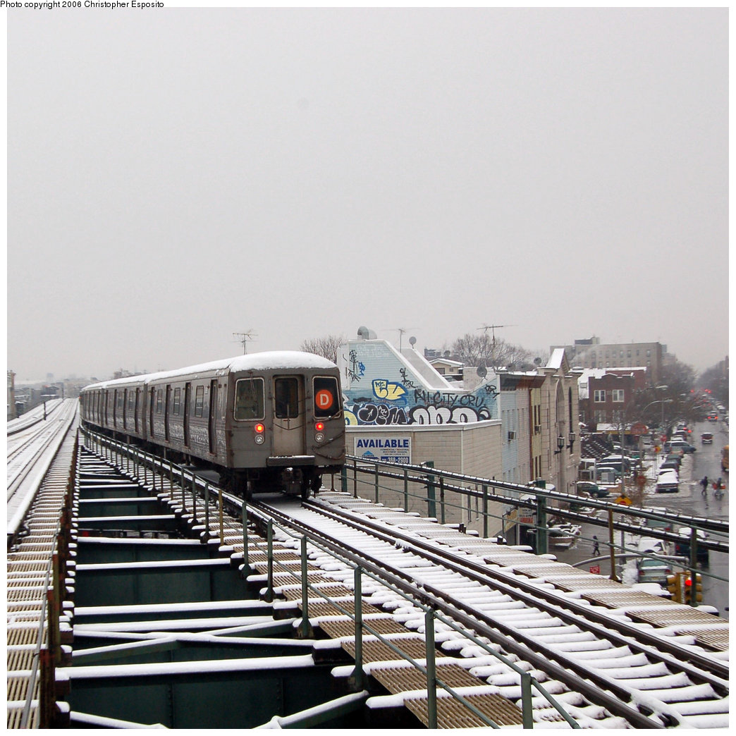 (243k, 1044x1044)<br><b>Country:</b> United States<br><b>City:</b> New York<br><b>System:</b> New York City Transit<br><b>Line:</b> BMT West End Line<br><b>Location:</b> 62nd Street <br><b>Route:</b> D<br><b>Car:</b> R-68/R-68A Series (Number Unknown)  <br><b>Photo by:</b> Christopher Esposito<br><b>Date:</b> 12/4/2005<br><b>Viewed (this week/total):</b> 1 / 2414