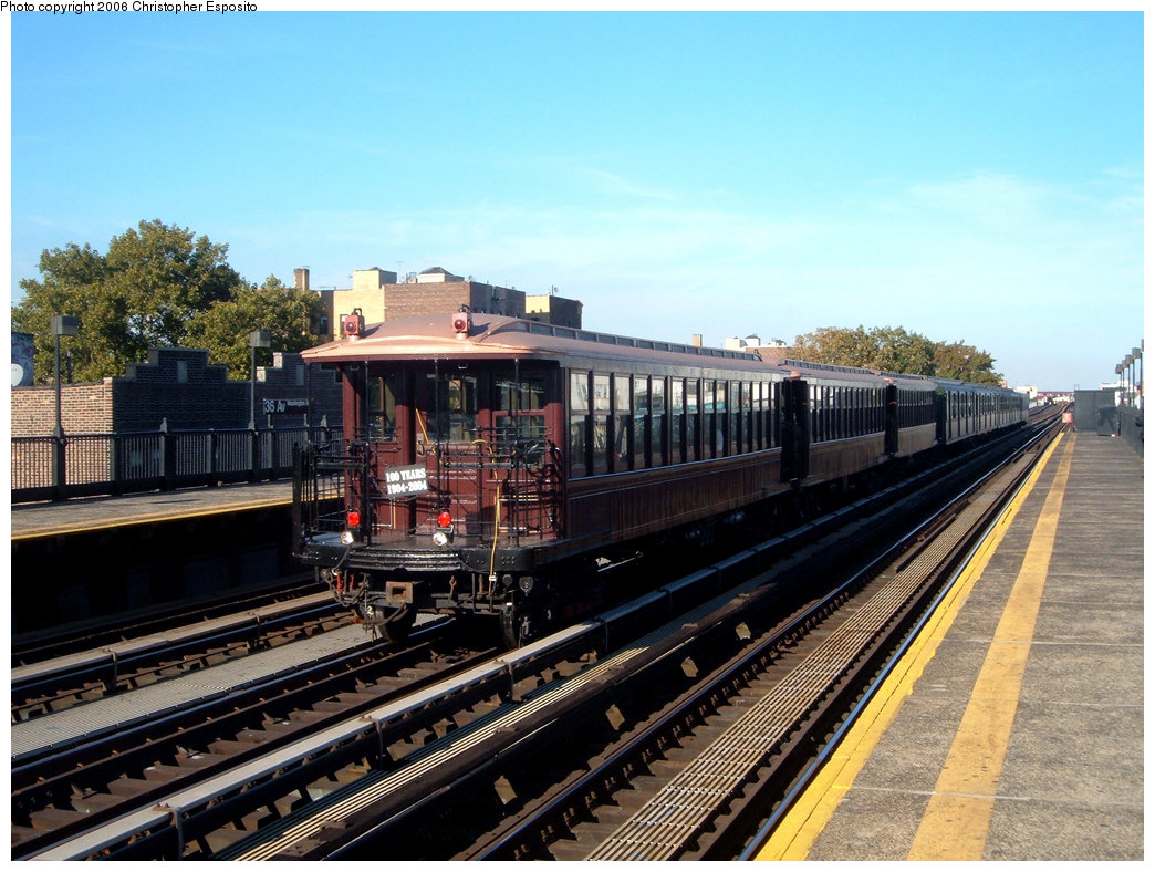 (221k, 1044x788)<br><b>Country:</b> United States<br><b>City:</b> New York<br><b>System:</b> New York City Transit<br><b>Line:</b> BMT Astoria Line<br><b>Location:</b> 39th/Beebe Aves. <br><b>Route:</b> Fan Trip<br><b>Car:</b> BMT Elevated Gate Car 1407-1273-1404 <br><b>Photo by:</b> Christopher Esposito<br><b>Date:</b> 10/28/2004<br><b>Viewed (this week/total):</b> 0 / 1297