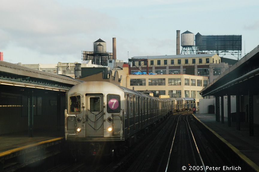 (150k, 864x574)<br><b>Country:</b> United States<br><b>City:</b> New York<br><b>System:</b> New York City Transit<br><b>Line:</b> IRT Flushing Line<br><b>Location:</b> Court House Square/45th Road <br><b>Route:</b> 7<br><b>Car:</b> R-62A (Bombardier, 1984-1987)  1725 <br><b>Photo by:</b> Peter Ehrlich<br><b>Date:</b> 12/30/2005<br><b>Viewed (this week/total):</b> 1 / 1649