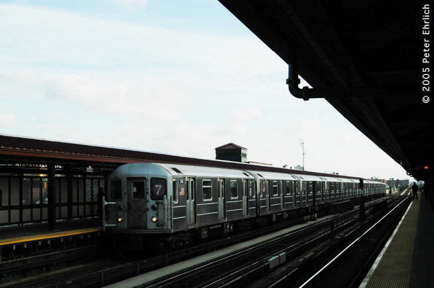 (145k, 864x574)<br><b>Country:</b> United States<br><b>City:</b> New York<br><b>System:</b> New York City Transit<br><b>Line:</b> IRT Flushing Line<br><b>Location:</b> 74th Street/Broadway <br><b>Route:</b> 7<br><b>Car:</b> R-62A (Bombardier, 1984-1987)  1740 <br><b>Photo by:</b> Peter Ehrlich<br><b>Date:</b> 12/30/2005<br><b>Viewed (this week/total):</b> 3 / 1242