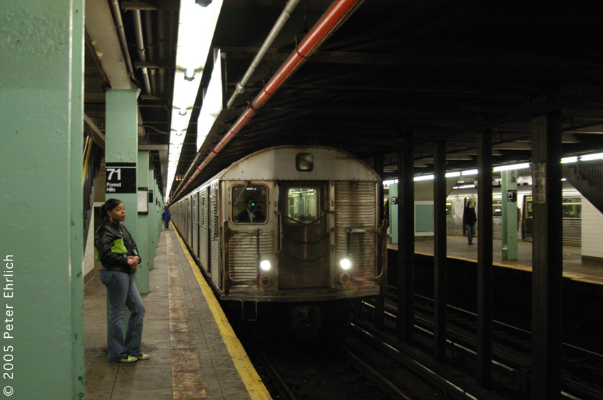 (172k, 864x573)<br><b>Country:</b> United States<br><b>City:</b> New York<br><b>System:</b> New York City Transit<br><b>Line:</b> IND Queens Boulevard Line<br><b>Location:</b> 71st/Continental Aves./Forest Hills <br><b>Route:</b> E<br><b>Car:</b> R-32 (Budd, 1964)   <br><b>Photo by:</b> Peter Ehrlich<br><b>Date:</b> 12/30/2005<br><b>Viewed (this week/total):</b> 0 / 3483