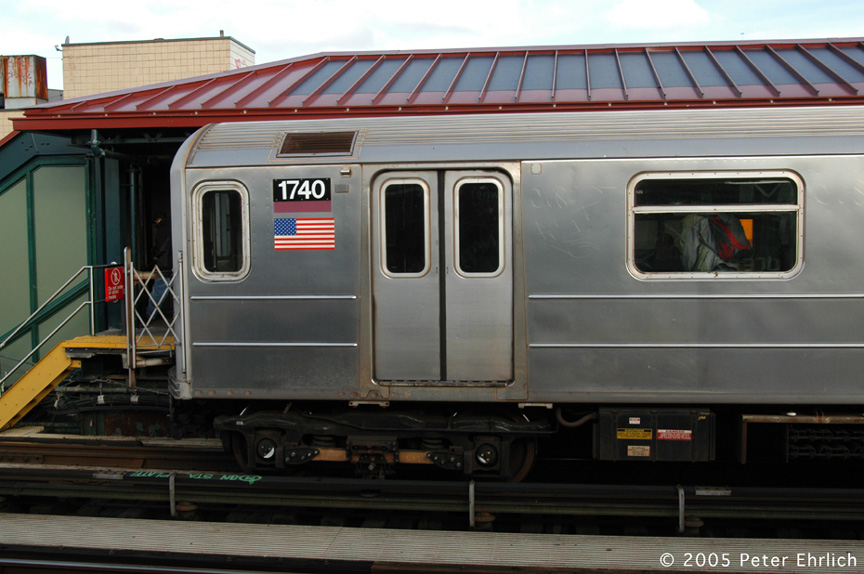 (170k, 864x574)<br><b>Country:</b> United States<br><b>City:</b> New York<br><b>System:</b> New York City Transit<br><b>Line:</b> IRT Flushing Line<br><b>Location:</b> 74th Street/Broadway <br><b>Route:</b> 7<br><b>Car:</b> R-62A (Bombardier, 1984-1987)  1740 <br><b>Photo by:</b> Peter Ehrlich<br><b>Date:</b> 12/30/2005<br><b>Viewed (this week/total):</b> 4 / 2391