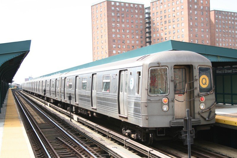(100k, 800x533)<br><b>Country:</b> United States<br><b>City:</b> New York<br><b>System:</b> New York City Transit<br><b>Line:</b> BMT Brighton Line<br><b>Location:</b> West 8th Street <br><b>Route:</b> Q<br><b>Car:</b> R-68 (Westinghouse-Amrail, 1986-1988)  2790 <br><b>Photo by:</b> Neil Feldman<br><b>Date:</b> 3/24/2006<br><b>Viewed (this week/total):</b> 1 / 1809