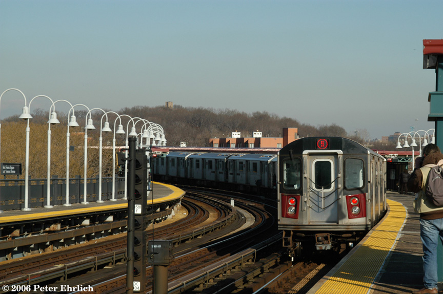 (182k, 864x574)<br><b>Country:</b> United States<br><b>City:</b> New York<br><b>System:</b> New York City Transit<br><b>Line:</b> IRT White Plains Road Line<br><b>Location:</b> West Farms Sq./East Tremont Ave./177th St. <br><b>Car:</b> R-142 (Primary Order, Bombardier, 1999-2002)  6776 <br><b>Photo by:</b> Peter Ehrlich<br><b>Date:</b> 1/24/2006<br><b>Viewed (this week/total):</b> 3 / 2675