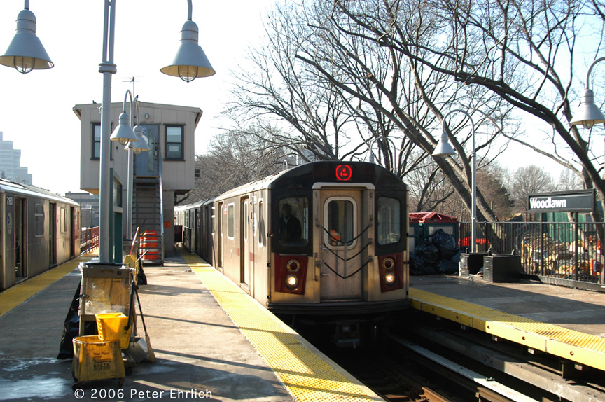 (284k, 864x574)<br><b>Country:</b> United States<br><b>City:</b> New York<br><b>System:</b> New York City Transit<br><b>Line:</b> IRT Woodlawn Line<br><b>Location:</b> Woodlawn <br><b>Car:</b> R-142 (Option Order, Bombardier, 2002-2003)  7090 <br><b>Photo by:</b> Peter Ehrlich<br><b>Date:</b> 1/24/2006<br><b>Viewed (this week/total):</b> 0 / 4757