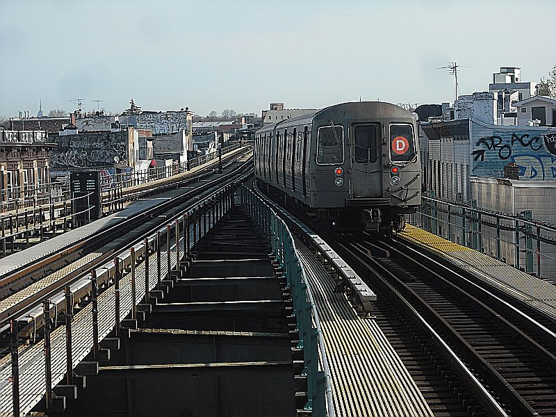 (154k, 800x600)<br><b>Country:</b> United States<br><b>City:</b> New York<br><b>System:</b> New York City Transit<br><b>Line:</b> BMT West End Line<br><b>Location:</b> 62nd Street <br><b>Route:</b> D<br><b>Car:</b> R-68/R-68A Series (Number Unknown)  <br><b>Photo by:</b> Alize Jarrett<br><b>Date:</b> 4/5/2010<br><b>Viewed (this week/total):</b> 1 / 405
