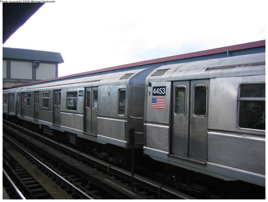 (134k, 1044x788)<br><b>Country:</b> United States<br><b>City:</b> New York<br><b>System:</b> New York City Transit<br><b>Line:</b> BMT Brighton Line<br><b>Location:</b> Brighton Beach <br><b>Route:</b> B<br><b>Car:</b> R-40M (St. Louis, 1969)  4453 <br><b>Photo by:</b> Michael Hodurski<br><b>Date:</b> 4/13/2006<br><b>Viewed (this week/total):</b> 1 / 2123