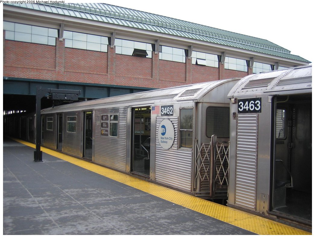 (185k, 1044x788)<br><b>Country:</b> United States<br><b>City:</b> New York<br><b>System:</b> New York City Transit<br><b>Location:</b> Coney Island/Stillwell Avenue<br><b>Route:</b> N<br><b>Car:</b> R-32 (Budd, 1964)  3462 <br><b>Photo by:</b> Michael Hodurski<br><b>Date:</b> 4/14/2006<br><b>Viewed (this week/total):</b> 0 / 2039