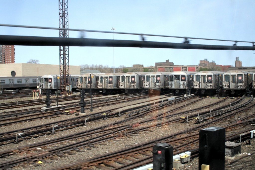 (210k, 1024x682)<br><b>Country:</b> United States<br><b>City:</b> New York<br><b>System:</b> New York City Transit<br><b>Location:</b> Coney Island Yard<br><b>Car:</b> R-40 (St. Louis, 1968)   <br><b>Photo by:</b> Todd Glickman<br><b>Date:</b> 4/16/2006<br><b>Viewed (this week/total):</b> 5 / 3887