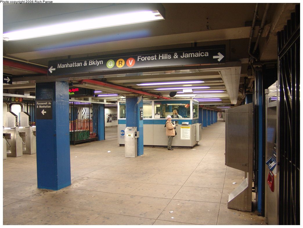 (176k, 1044x788)<br><b>Country:</b> United States<br><b>City:</b> New York<br><b>System:</b> New York City Transit<br><b>Line:</b> IND Queens Boulevard Line<br><b>Location:</b> Grand Avenue/Newtown <br><b>Photo by:</b> Richard Panse<br><b>Date:</b> 4/6/2006<br><b>Notes:</b> Mezzanine.<br><b>Viewed (this week/total):</b> 3 / 3370