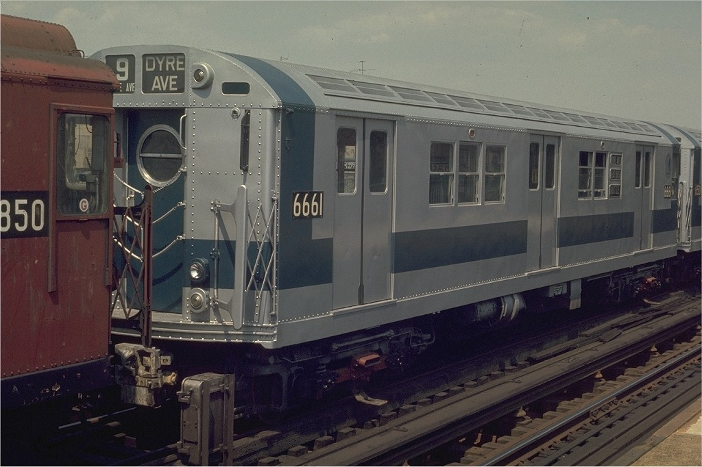 (183k, 1024x682)<br><b>Country:</b> United States<br><b>City:</b> New York<br><b>System:</b> New York City Transit<br><b>Line:</b> IRT West Side Line<br><b>Location:</b> 225th Street <br><b>Car:</b> R-17 (St. Louis, 1955-56) 6661 <br><b>Photo by:</b> Joe Testagrose<br><b>Date:</b> 4/26/1970<br><b>Viewed (this week/total):</b> 6 / 1759