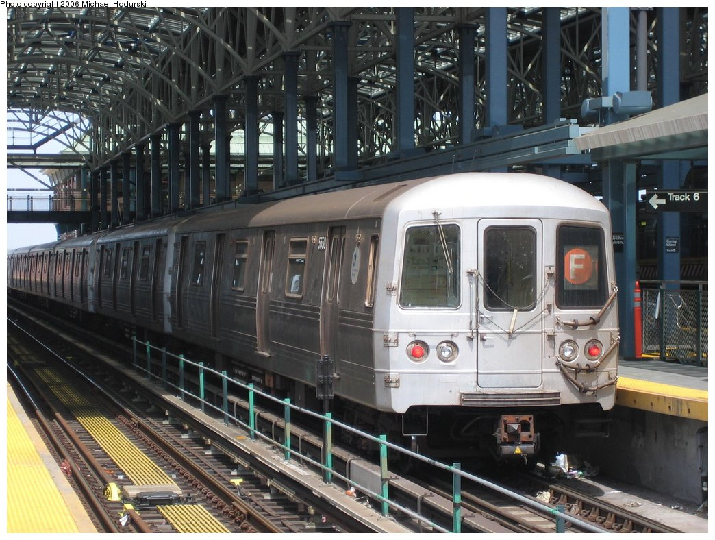 (204k, 1044x788)<br><b>Country:</b> United States<br><b>City:</b> New York<br><b>System:</b> New York City Transit<br><b>Location:</b> Coney Island/Stillwell Avenue<br><b>Route:</b> F<br><b>Car:</b> R-46 (Pullman-Standard, 1974-75) 5558 <br><b>Photo by:</b> Michael Hodurski<br><b>Date:</b> 4/21/2006<br><b>Viewed (this week/total):</b> 1 / 2214