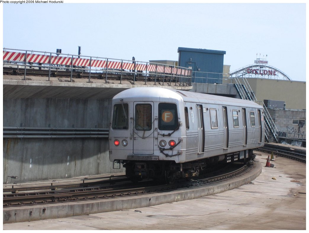 (147k, 1044x788)<br><b>Country:</b> United States<br><b>City:</b> New York<br><b>System:</b> New York City Transit<br><b>Location:</b> Coney Island/Stillwell Avenue<br><b>Route:</b> F<br><b>Car:</b> R-46 (Pullman-Standard, 1974-75) 5732 <br><b>Photo by:</b> Michael Hodurski<br><b>Date:</b> 4/21/2006<br><b>Viewed (this week/total):</b> 1 / 2754