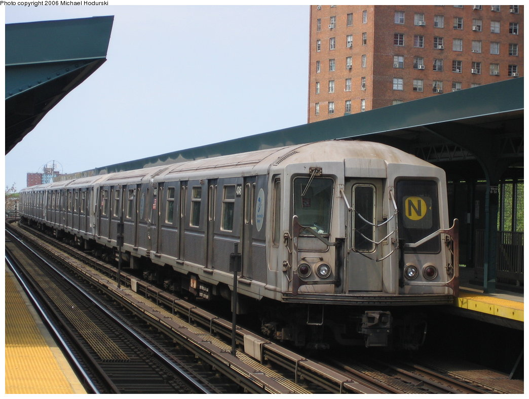 (173k, 1044x788)<br><b>Country:</b> United States<br><b>City:</b> New York<br><b>System:</b> New York City Transit<br><b>Line:</b> BMT Brighton Line<br><b>Location:</b> West 8th Street <br><b>Route:</b> N<br><b>Car:</b> R-40 (St. Louis, 1968)  4346 <br><b>Photo by:</b> Michael Hodurski<br><b>Date:</b> 5/6/2006<br><b>Viewed (this week/total):</b> 1 / 2635