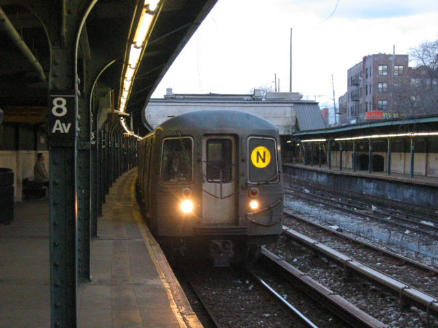 (60k, 640x480)<br><b>Country:</b> United States<br><b>City:</b> New York<br><b>System:</b> New York City Transit<br><b>Line:</b> BMT Sea Beach Line<br><b>Location:</b> 8th Avenue <br><b>Route:</b> N<br><b>Car:</b> R-68A (Kawasaki, 1988-1989)  5058 <br><b>Photo by:</b> Oren H.<br><b>Date:</b> 1/21/2006<br><b>Viewed (this week/total):</b> 0 / 3170