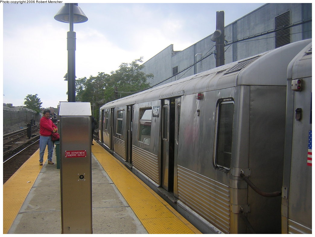 (183k, 1044x788)<br><b>Country:</b> United States<br><b>City:</b> New York<br><b>System:</b> New York City Transit<br><b>Line:</b> BMT Canarsie Line<br><b>Location:</b> East 105th Street <br><b>Route:</b> L<br><b>Car:</b> R-42 (St. Louis, 1969-1970)  4857 <br><b>Photo by:</b> Robert Mencher<br><b>Date:</b> 5/17/2006<br><b>Viewed (this week/total):</b> 0 / 2783