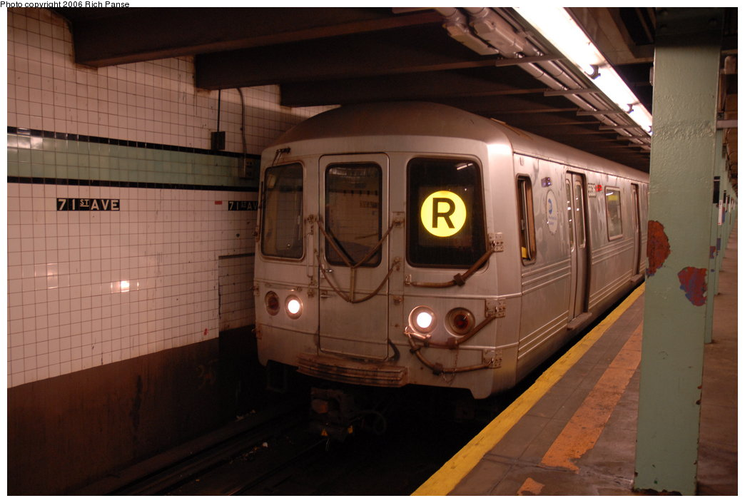 (157k, 1044x705)<br><b>Country:</b> United States<br><b>City:</b> New York<br><b>System:</b> New York City Transit<br><b>Line:</b> IND Queens Boulevard Line<br><b>Location:</b> 71st/Continental Aves./Forest Hills <br><b>Route:</b> R<br><b>Car:</b> R-46 (Pullman-Standard, 1974-75) 5536 <br><b>Photo by:</b> Richard Panse<br><b>Date:</b> 5/25/2006<br><b>Viewed (this week/total):</b> 3 / 2335