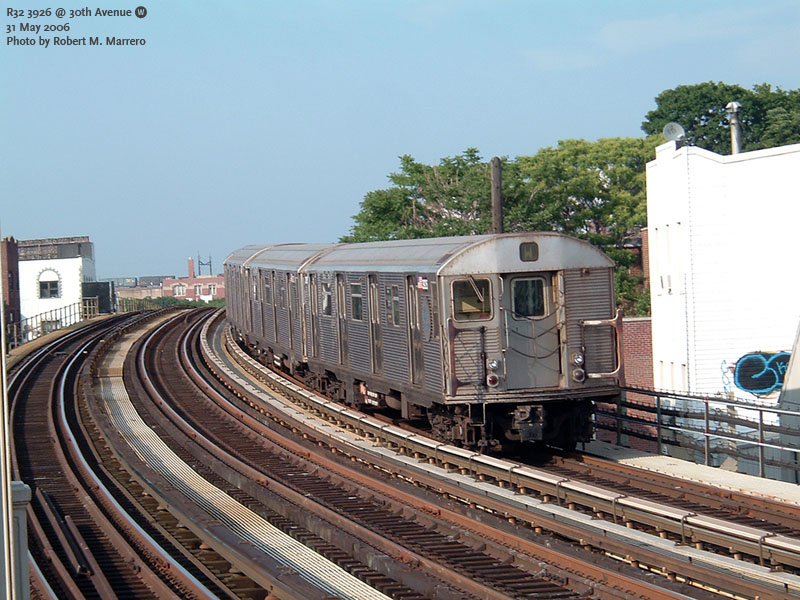 (174k, 800x600)<br><b>Country:</b> United States<br><b>City:</b> New York<br><b>System:</b> New York City Transit<br><b>Line:</b> BMT Astoria Line<br><b>Location:</b> 30th/Grand Aves. <br><b>Route:</b> W<br><b>Car:</b> R-32 (Budd, 1964)  3926 <br><b>Photo by:</b> Robert Marrero<br><b>Date:</b> 5/31/2006<br><b>Viewed (this week/total):</b> 8 / 2499