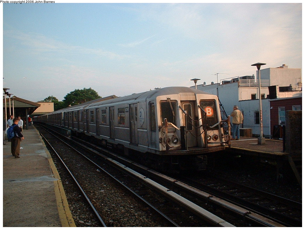(171k, 1044x788)<br><b>Country:</b> United States<br><b>City:</b> New York<br><b>System:</b> New York City Transit<br><b>Line:</b> BMT Brighton Line<br><b>Location:</b> Kings Highway <br><b>Route:</b> B<br><b>Car:</b> R-40 (St. Louis, 1968)  4298 <br><b>Photo by:</b> John Barnes<br><b>Date:</b> 6/6/2006<br><b>Viewed (this week/total):</b> 1 / 2188