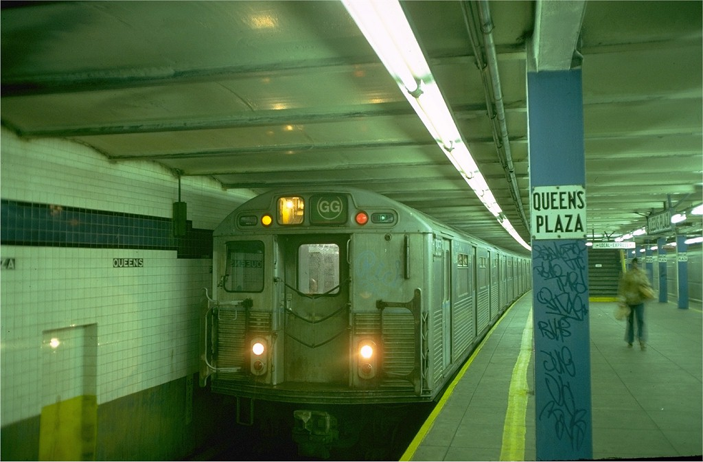 (156k, 1024x673)<br><b>Country:</b> United States<br><b>City:</b> New York<br><b>System:</b> New York City Transit<br><b>Line:</b> IND Queens Boulevard Line<br><b>Location:</b> Queens Plaza <br><b>Route:</b> GG<br><b>Car:</b> R-38 (St. Louis, 1966-1967)  3974 <br><b>Photo by:</b> Doug Grotjahn<br><b>Collection of:</b> Joe Testagrose<br><b>Date:</b> 10/20/1976<br><b>Viewed (this week/total):</b> 1 / 4588