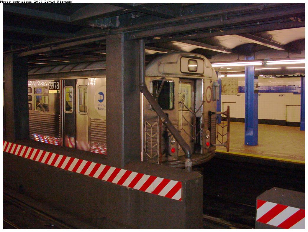 (136k, 1044x788)<br><b>Country:</b> United States<br><b>City:</b> New York<br><b>System:</b> New York City Transit<br><b>Line:</b> IND 8th Avenue Line<br><b>Location:</b> Jay St./Metrotech (Borough Hall) <br><b>Route:</b> A<br><b>Car:</b> R-38 (St. Louis, 1966-1967)  3978 <br><b>Photo by:</b> David Pirmann<br><b>Date:</b> 3/12/2000<br><b>Viewed (this week/total):</b> 3 / 5423