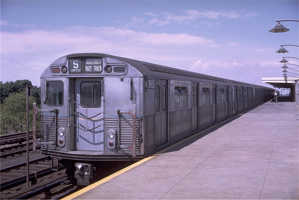 (206k, 1024x687)<br><b>Country:</b> United States<br><b>City:</b> New York<br><b>System:</b> New York City Transit<br><b>Line:</b> IND Rockaway<br><b>Location:</b> Aqueduct/North Conduit Avenue <br><b>Route:</b> S<br><b>Car:</b> R-38 (St. Louis, 1966-1967)  3985 <br><b>Photo by:</b> Doug Grotjahn<br><b>Collection of:</b> Joe Testagrose<br><b>Date:</b> 9/2/1968<br><b>Viewed (this week/total):</b> 2 / 3633