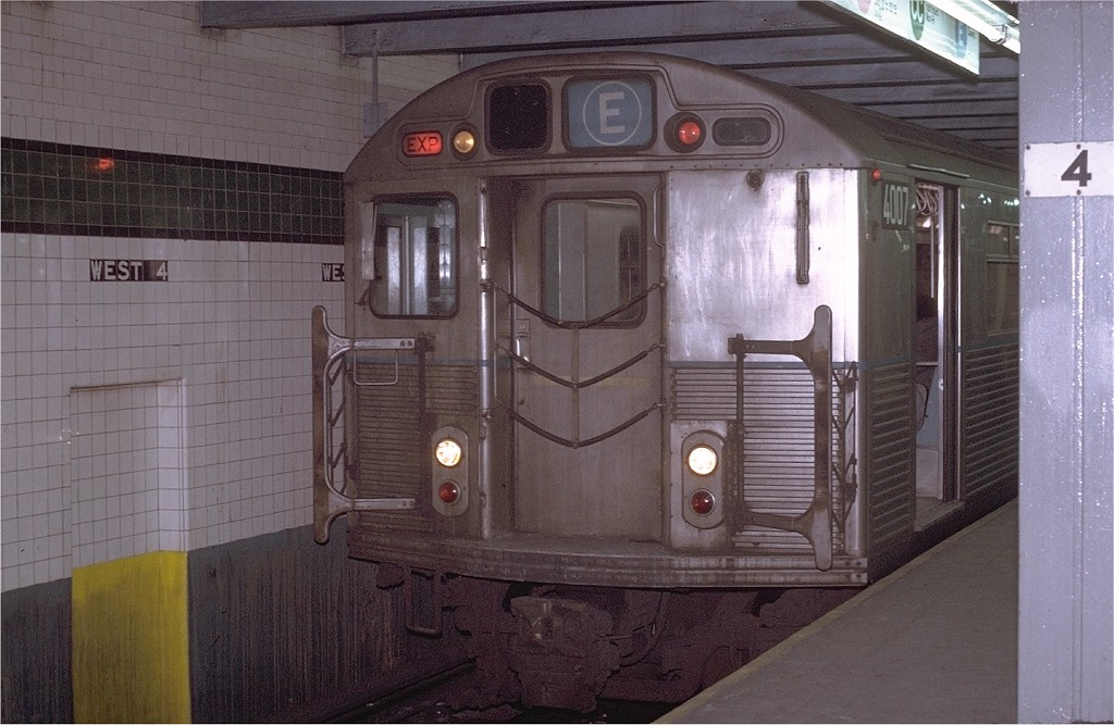 (185k, 1024x667)<br><b>Country:</b> United States<br><b>City:</b> New York<br><b>System:</b> New York City Transit<br><b>Line:</b> IND 8th Avenue Line<br><b>Location:</b> West 4th Street/Washington Square <br><b>Route:</b> E<br><b>Car:</b> R-38 (St. Louis, 1966-1967)  4007 <br><b>Photo by:</b> Joe Testagrose<br><b>Date:</b> 1/22/1971<br><b>Viewed (this week/total):</b> 0 / 4445