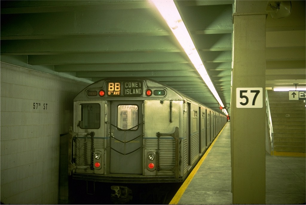 (146k, 1024x687)<br><b>Country:</b> United States<br><b>City:</b> New York<br><b>System:</b> New York City Transit<br><b>Line:</b> IND 6th Avenue Line<br><b>Location:</b> 57th Street <br><b>Route:</b> B<br><b>Car:</b> R-38 (St. Louis, 1966-1967)  4011 <br><b>Photo by:</b> Doug Grotjahn<br><b>Collection of:</b> Joe Testagrose<br><b>Date:</b> 9/26/1968<br><b>Viewed (this week/total):</b> 0 / 4759