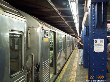 (50k, 426x320)<br><b>Country:</b> United States<br><b>City:</b> New York<br><b>System:</b> New York City Transit<br><b>Line:</b> IND 8th Avenue Line<br><b>Location:</b> 59th Street/Columbus Circle <br><b>Route:</b> A<br><b>Car:</b> R-38 (St. Louis, 1966-1967)  4031 <br><b>Photo by:</b> Hank Eisenstein<br><b>Date:</b> 8/22/1999<br><b>Viewed (this week/total):</b> 0 / 4785
