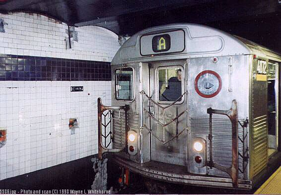 (57k, 566x394)<br><b>Country:</b> United States<br><b>City:</b> New York<br><b>System:</b> New York City Transit<br><b>Line:</b> IND 8th Avenue Line<br><b>Location:</b> Chambers Street/World Trade Center <br><b>Route:</b> A<br><b>Car:</b> R-38 (St. Louis, 1966-1967)  4072 <br><b>Photo by:</b> Wayne Whitehorne<br><b>Date:</b> 1998<br><b>Viewed (this week/total):</b> 0 / 4305