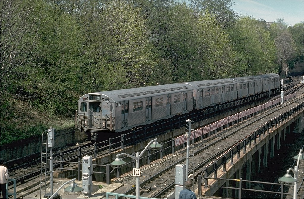 (329k, 1024x670)<br><b>Country:</b> United States<br><b>City:</b> New York<br><b>System:</b> New York City Transit<br><b>Line:</b> BMT West End Line<br><b>Location:</b> 9th Avenue <br><b>Route:</b> B<br><b>Car:</b> R-38 (St. Louis, 1966-1967)  4125 <br><b>Photo by:</b> Doug Grotjahn<br><b>Collection of:</b> Joe Testagrose<br><b>Date:</b> 4/16/1977<br><b>Viewed (this week/total):</b> 0 / 4135