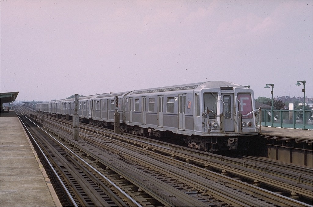 (178k, 1024x678)<br><b>Country:</b> United States<br><b>City:</b> New York<br><b>System:</b> New York City Transit<br><b>Line:</b> BMT Culver Line<br><b>Location:</b> Bay Parkway (22nd Avenue) <br><b>Route:</b> F<br><b>Car:</b> R-40 (St. Louis, 1968)  4240 <br><b>Photo by:</b> Joe Testagrose<br><b>Date:</b> 6/27/1972<br><b>Viewed (this week/total):</b> 2 / 3445