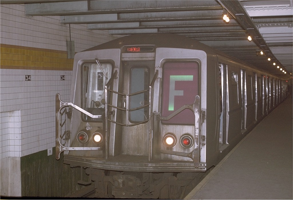 (171k, 1024x697)<br><b>Country:</b> United States<br><b>City:</b> New York<br><b>System:</b> New York City Transit<br><b>Line:</b> IND 6th Avenue Line<br><b>Location:</b> 34th Street/Herald Square <br><b>Route:</b> F<br><b>Car:</b> R-40 (St. Louis, 1968)  4266 (ex-4366)<br><b>Photo by:</b> Joe Testagrose<br><b>Date:</b> 12/1/1970<br><b>Viewed (this week/total):</b> 3 / 3801