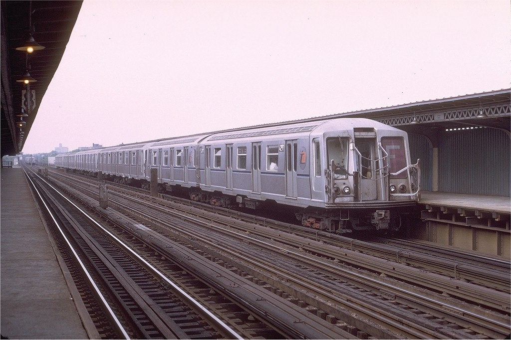 (199k, 1024x682)<br><b>Country:</b> United States<br><b>City:</b> New York<br><b>System:</b> New York City Transit<br><b>Line:</b> BMT Culver Line<br><b>Location:</b> Avenue U <br><b>Route:</b> F<br><b>Car:</b> R-40 (St. Louis, 1968)  4297 (ex-4397)<br><b>Photo by:</b> Joe Testagrose<br><b>Date:</b> 6/27/1972<br><b>Viewed (this week/total):</b> 2 / 3657