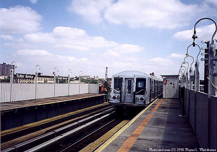 (92k, 699x492)<br><b>Country:</b> United States<br><b>City:</b> New York<br><b>System:</b> New York City Transit<br><b>Line:</b> BMT Canarsie Line<br><b>Location:</b> Sutter Avenue <br><b>Route:</b> L<br><b>Car:</b> R-40 (St. Louis, 1968)  4437 (ex-4537)<br><b>Photo by:</b> Wayne Whitehorne<br><b>Date:</b> 6/28/1998<br><b>Viewed (this week/total):</b> 6 / 3924