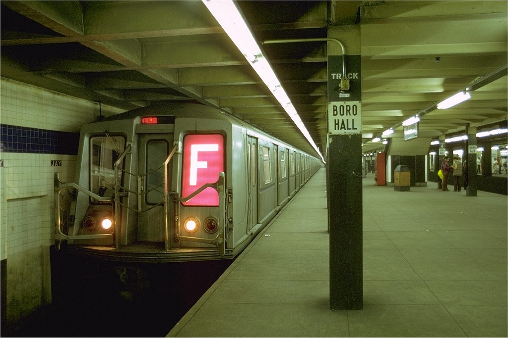 (170k, 1024x683)<br><b>Country:</b> United States<br><b>City:</b> New York<br><b>System:</b> New York City Transit<br><b>Line:</b> IND 8th Avenue Line<br><b>Location:</b> Jay St./Metrotech (Borough Hall) <br><b>Route:</b> F<br><b>Car:</b> R-40 (St. Louis, 1968)  4513 (ex-4313)<br><b>Photo by:</b> Joe Testagrose<br><b>Date:</b> 8/9/1969<br><b>Viewed (this week/total):</b> 0 / 3855