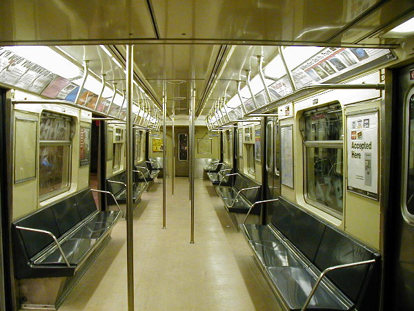 (96k, 600x450)<br><b>Country:</b> United States<br><b>City:</b> New York<br><b>System:</b> New York City Transit<br><b>Car:</b> R-40 (St. Louis, 1968)  Interior <br><b>Photo by:</b> Trevor Logan<br><b>Date:</b> 6/11/2001<br><b>Viewed (this week/total):</b> 14 / 13631