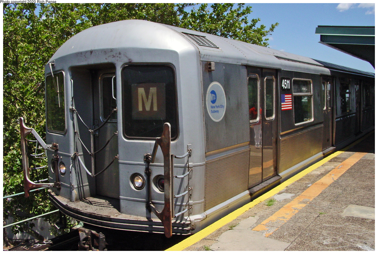 (90k, 820x620)<br><b>Country:</b> United States<br><b>City:</b> New York<br><b>System:</b> New York City Transit<br><b>Line:</b> BMT Myrtle Avenue Line<br><b>Location:</b> Forest Avenue <br><b>Route:</b> M<br><b>Car:</b> R-40M (St. Louis, 1969)  4511 <br><b>Photo by:</b> Richard Panse<br><b>Date:</b> 7/11/2002<br><b>Viewed (this week/total):</b> 3 / 3460