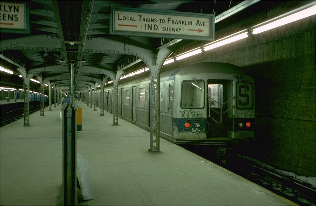 (169k, 1024x669)<br><b>Country:</b> United States<br><b>City:</b> New York<br><b>System:</b> New York City Transit<br><b>Line:</b> BMT Franklin<br><b>Location:</b> Prospect Park <br><b>Route:</b> Franklin Shuttle<br><b>Car:</b> R-40M (St. Louis, 1969)  4513 (ex-4313)<br><b>Photo by:</b> Doug Grotjahn<br><b>Collection of:</b> Joe Testagrose<br><b>Date:</b> 1/27/1977<br><b>Viewed (this week/total):</b> 5 / 4758