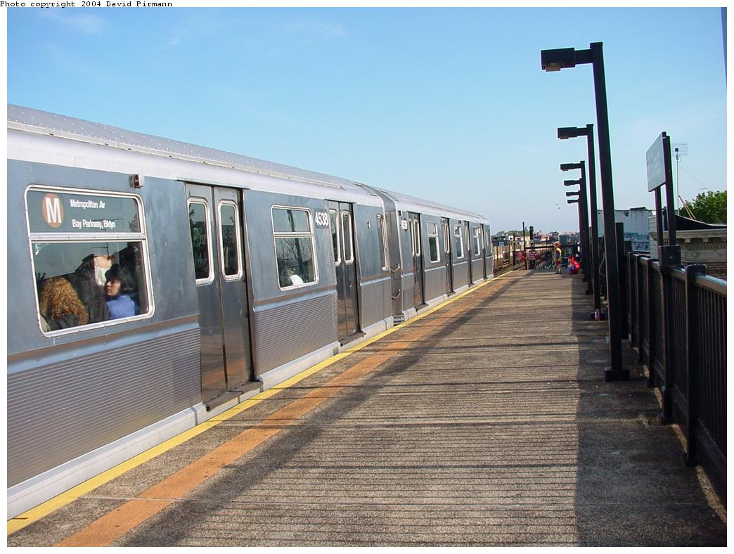 (135k, 1044x788)<br><b>Country:</b> United States<br><b>City:</b> New York<br><b>System:</b> New York City Transit<br><b>Line:</b> BMT West End Line<br><b>Location:</b> 55th Street <br><b>Route:</b> M<br><b>Car:</b> R-40M (St. Louis, 1969)  4538 <br><b>Photo by:</b> David Pirmann<br><b>Date:</b> 5/31/2000<br><b>Viewed (this week/total):</b> 1 / 4105