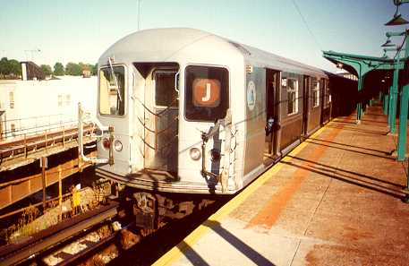 (22k, 457x297)<br><b>Country:</b> United States<br><b>City:</b> New York<br><b>System:</b> New York City Transit<br><b>Line:</b> BMT Nassau Street/Jamaica Line<br><b>Location:</b> Broadway/East New York (Broadway Junction) <br><b>Route:</b> J<br><b>Car:</b> R-40M (St. Louis, 1969)   <br><b>Photo by:</b> Trevor Logan<br><b>Viewed (this week/total):</b> 0 / 3157