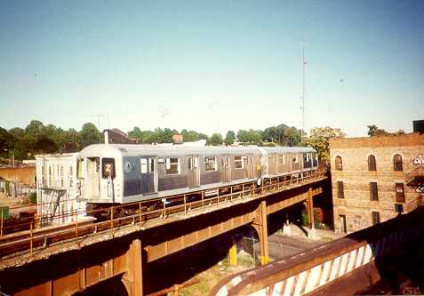 (21k, 477x333)<br><b>Country:</b> United States<br><b>City:</b> New York<br><b>System:</b> New York City Transit<br><b>Location:</b> East New York Yard/Shops<br><b>Car:</b> R-40M (St. Louis, 1969)   <br><b>Photo by:</b> Trevor Logan<br><b>Viewed (this week/total):</b> 6 / 3714